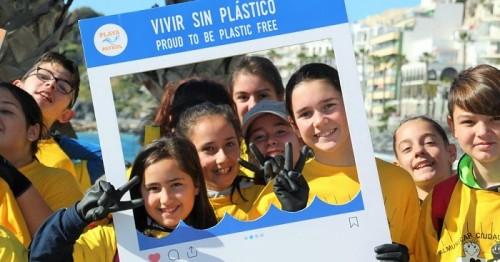 Asociación Playa Patrol, por un mar libre de plástico.jpg