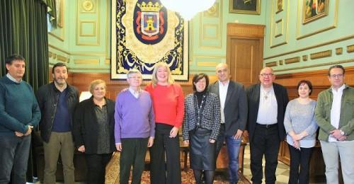 Ayto. y Cáritas firman un acuerdo de colaboración paraatender a personas sin hogar o en situación de calle.jpg