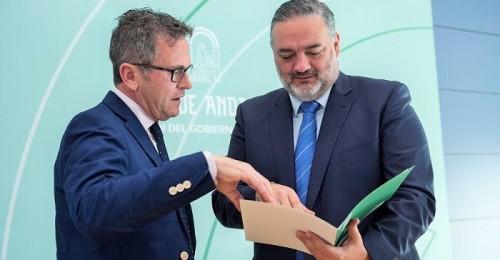 El delegado del Gobierno de la Junta da a conocer los homenajeados granadinos con motivo del Día de Andalucía.jpg