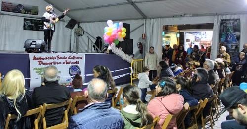 El pregón musical del artista motrileño Diego Domínguez llena el Carnaval de risas y buen ambiente.jpg