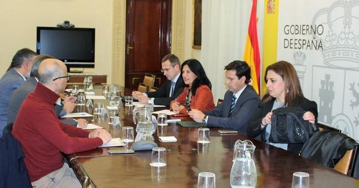 La Mesa del Aeropuerto acuerda trabajar para evitar que Iberia elimine dos vuelos que conectan con Madrid.jpg