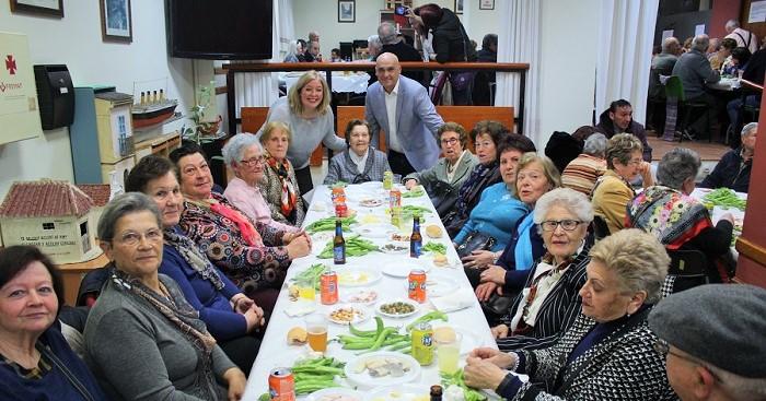 Los mayores celebran el Día de Andalucía en el Centro de la calle Ancha.jpg