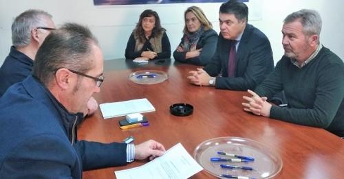 Reunión del PP de Motril con la Comunidad de Regantes.jpg