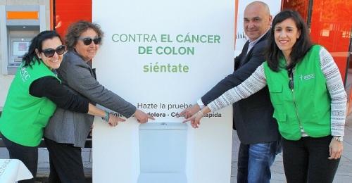 Campaña de concienciación en Motril contra el cáncer de colon