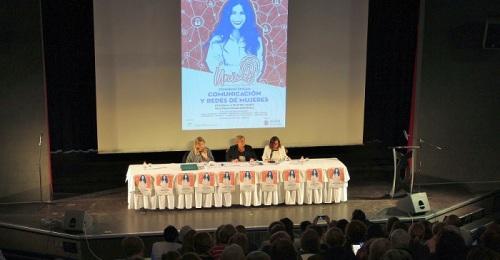 'Congreso Únicas. Comunicación y Redes de Mujeres'.Imagen igualitaria de las mujeres y los hombres en los medios.jpg