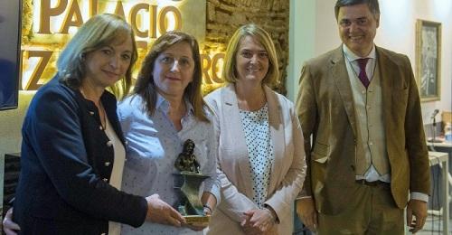 El PP entrega el premio Mª Victoria del Valle a la asociación Amigos del Pueblo Saharahui.jpg