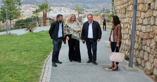 Flor Almón, Antonio Escámez, Francisco Sánchez-Cantalejo y Gloria Chica visitan el Parque Manuel Moreno 'Chaquetas'.jpg