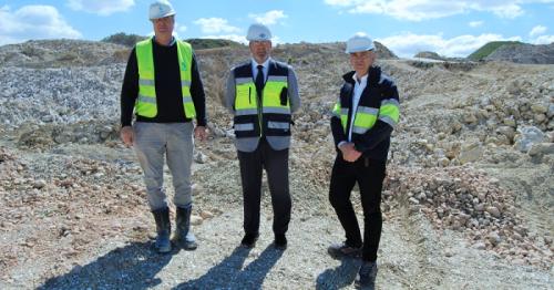 García Fuentes visita Escúzar y fideliza a uno de los principales clientes del Puerto en la exportación de mineral.png