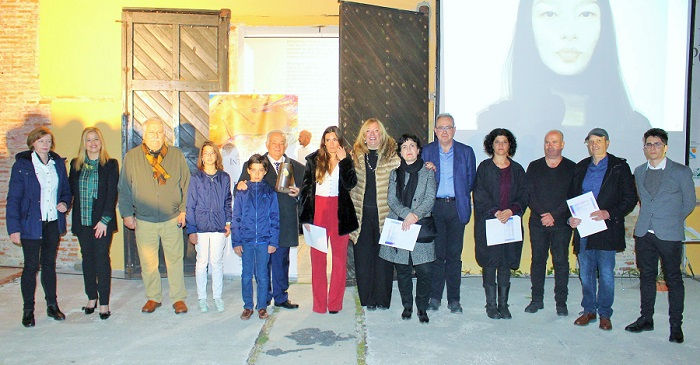 Julia Jiménez Santa-Olalla gana la 8ª edición del Certamen Intl. de Pintura Ramón Portillo Ciudad de Motril.jpg