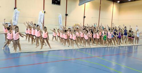 La Gimnasia Rítmica se dio cita en Salobreña con unas 90 participantes.png