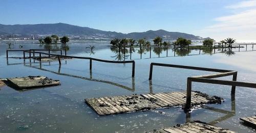 Playa de Poniente de Motril inundada.jpg