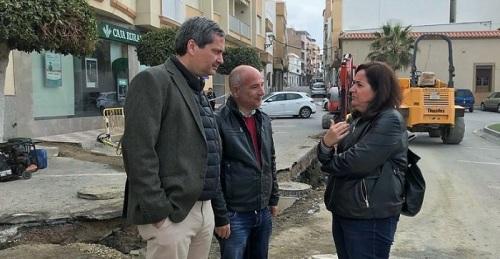 Sergio García visita las obras que Mancomunidad ejecuta en el paseo marítimo de La Rábita.jpg