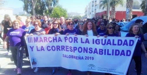 Una marcha reivindicativa y festiva clama en Salobreña por una sociedad igualitaria entre mujeres y hombres.jpg
