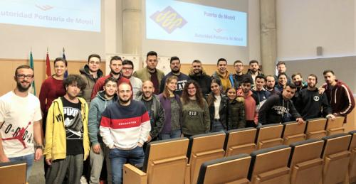 Alumnos de la Universidad de Jaén visitan el Puerto de Motril.png