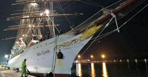 Crucero de lujo Sea Cloud en el Puerto de Motril