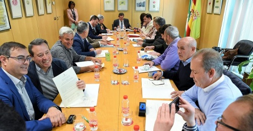 Diputación financia la renovación de  vehículos de recogida de residuos en 41 pequeños municipios de la provincia.jpg
