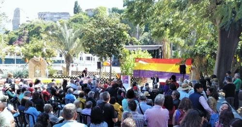 El Majuelo acogió un acto organizado por IU a favor de la III República.jpg
