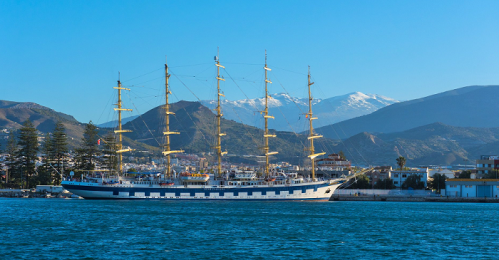 El velero Royal Clipper atraca en el Puerto de Motril.png