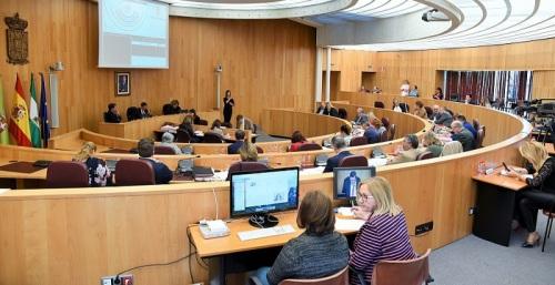 La Diputación pide al Gobierno y a la Junta un plan para llevar la fibra óptica al medio rural.jpg