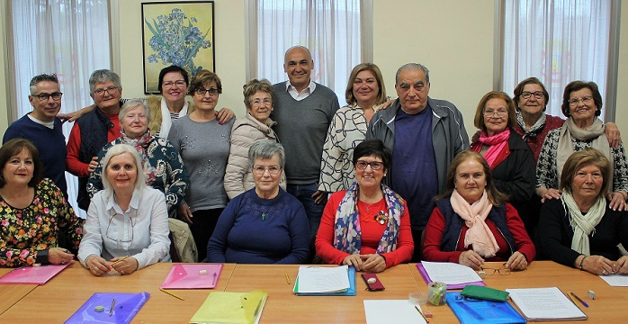 Mayores de Motril participan en un 'Taller de Creación Literaria'.jpg