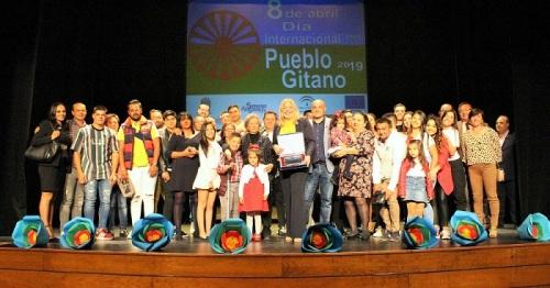 Motril conmemora el Día Internacional del Pueblo Gitano con un emotivo acto en el Teatro Calderón.jpg