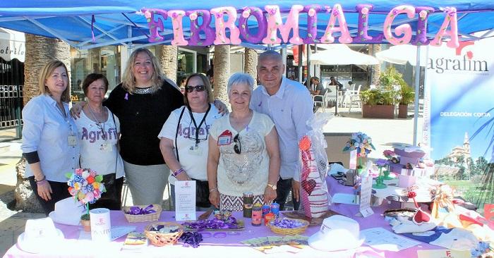 Almón y Morales muestran su apoyo a la asociación AGRAFIM en el Día Internacional de la Fibromialgia.jpg