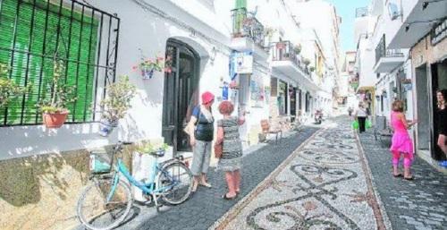 Calle tradicional en La Herradura
