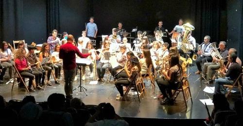 Concierto de la Escuela Municipal de Música de Salobreña a beneficio de APROSMO.jpg