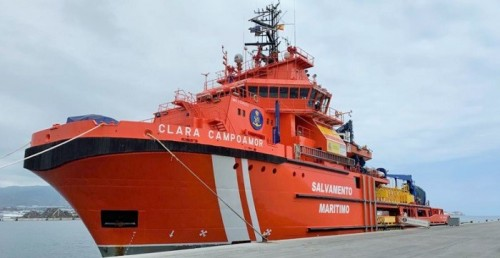 El buque de Salvamento Marítimo 'Clara Campoamor' en el Puerto de Motril.jpg