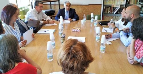 El delegado de Educación de la Junta visita Almuñécar y La Herradura.jpg
