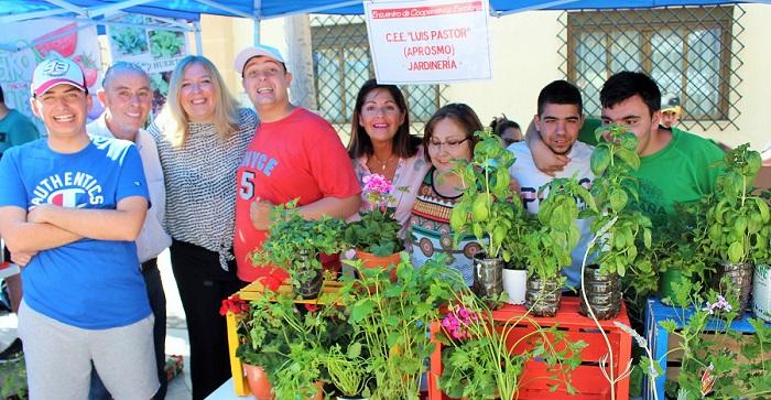 Flor Almón visita el Encuentro de Cooperativas Escolares.jpg