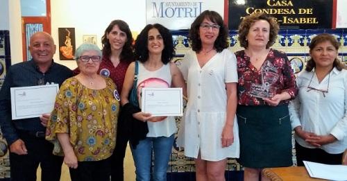 La asociación contra la violencia de género 'Damos la cara' ha entregado el Premio Koro 2019 a Paqui Granados.jpg