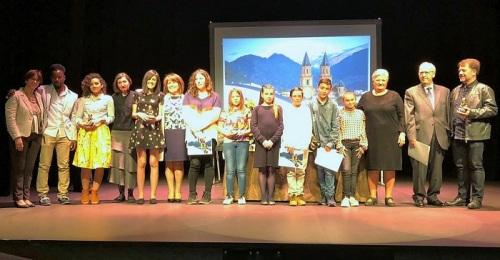 La conquense Mª Pilar Geraldo y el barcelonés José Luis García ganan el XXI Certamen Intl. Literario de Órgiva.jpg