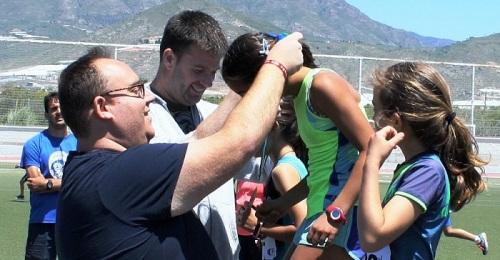 Más de 200 escolares en la final de los I Juegos Escolares Comarcales de Atletismo en Pista de Salobreña.jpg