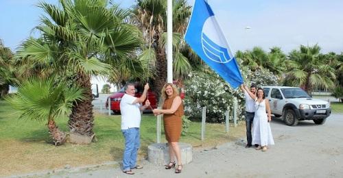 Playa Granada renueva su bandera azul por sus equipamientos, accesibilidad, sostenibilidad y la calidad de sus aguas