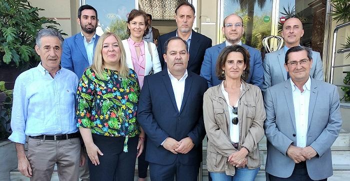 Reunión con la Ministra de Transición Ecológica, Teresa Ribera, en Motril.jpg