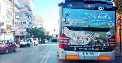 Salobreña se verá durante todo el año en los autobuses urbanos de Granada capital y en su guía turística oficial.jpg