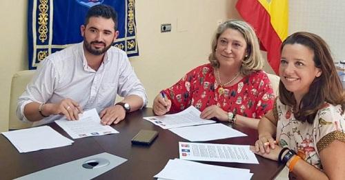 Ciudadanos sella un acuerdo con PP y Más Costa Tropical para la gobernabilidad de Almuñécar.jpg