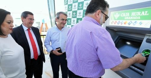 Diputación y Caja Rural han instalado ya cajeros en 12 municipios que no disponían de ningún servicio bancario
