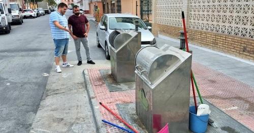 El PSOE denuncia el 'lamentable estado de abandono' de los espacios públicos de Calahonda