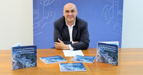 Gregorio Morales durante la presentación de la publicación del Plan Local de Zonas Desfavorecidas de Motril.jpg