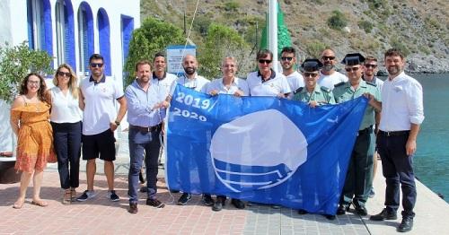 La Bandera Azul 2019 ya ondea en el puerto deportivo Marina del Este