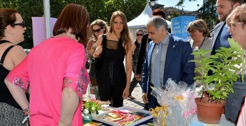 La Feria de Emprendimiento expone los proyectos empresariales surgidos en las aulas de los centros de Granada.jpg