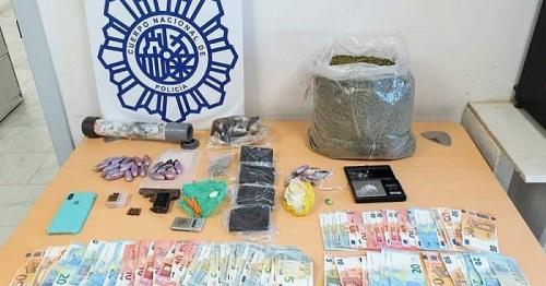 La Policía Nacional desmantela dos puntos de venta y distribución de cannabis y cocaína en Motril.jpg