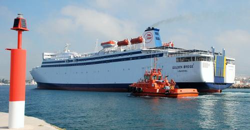Llega a Motril el buque Golden Bridge de FRS, que hará la línea Motril - Melilla.png