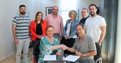 PSOE e IU oficializan su pacto de gobierno en Salobreña.jpg