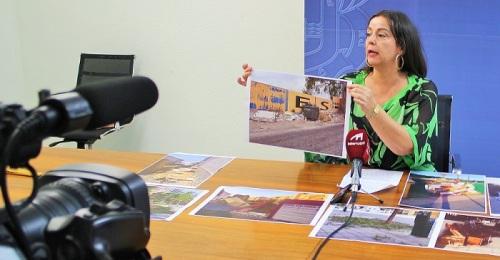El PSOE denuncia el estado de suciedad y abandono de Motril y las playas a pesar del anunciado 'plan de choque'.jpg