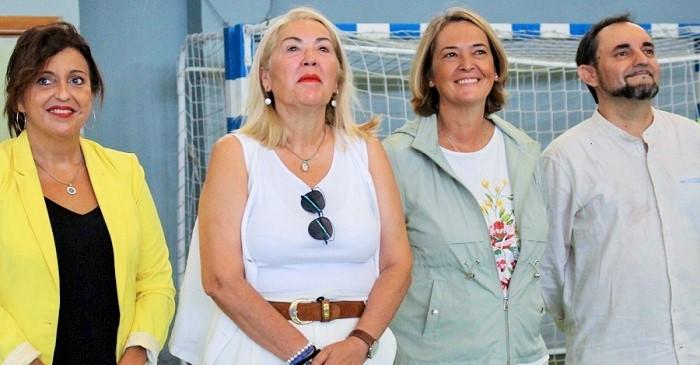 La alcaldesa clausura la Escuela de Verano en la que han participado unos 400 alumnos de entre 6 y 14 años.jpg