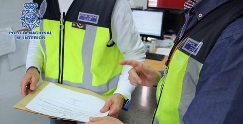 La Policía Nacional desarticula una organización criminal dedicada a regularizar ilegalmente ciudadanos extranjeros.jpg