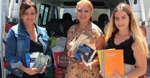 Nuevas donaciones de más de 500 libros para la iniciativa 'Leer en la playa'